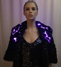 Enlighted Capelet